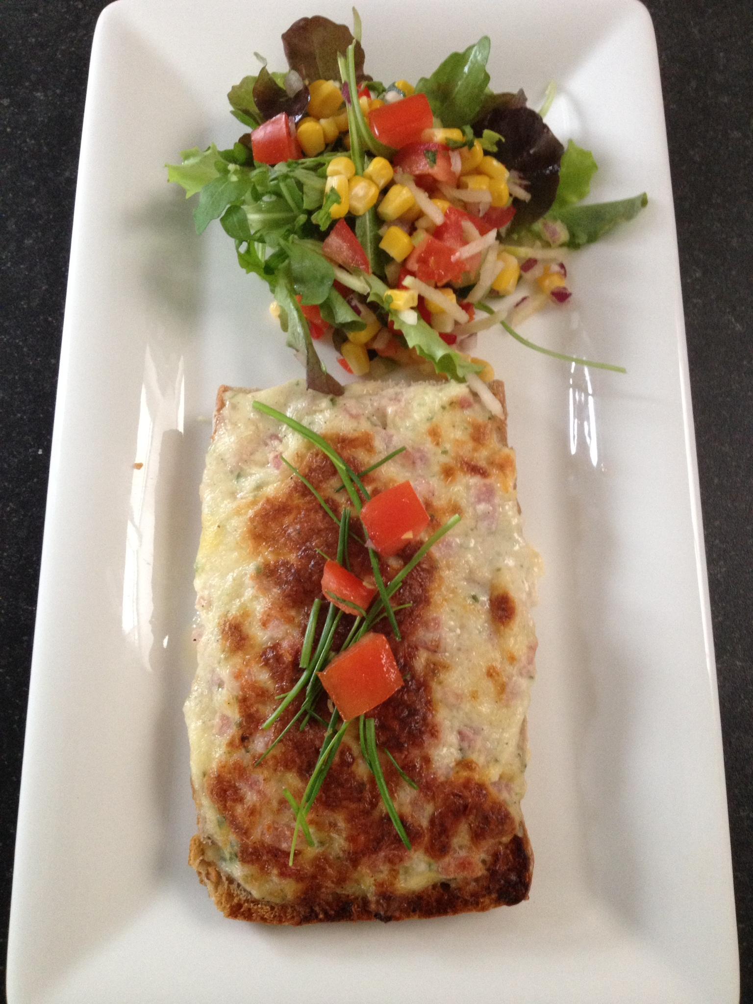 Geurige kaascrostini, ideaal voor een snelle lunch.