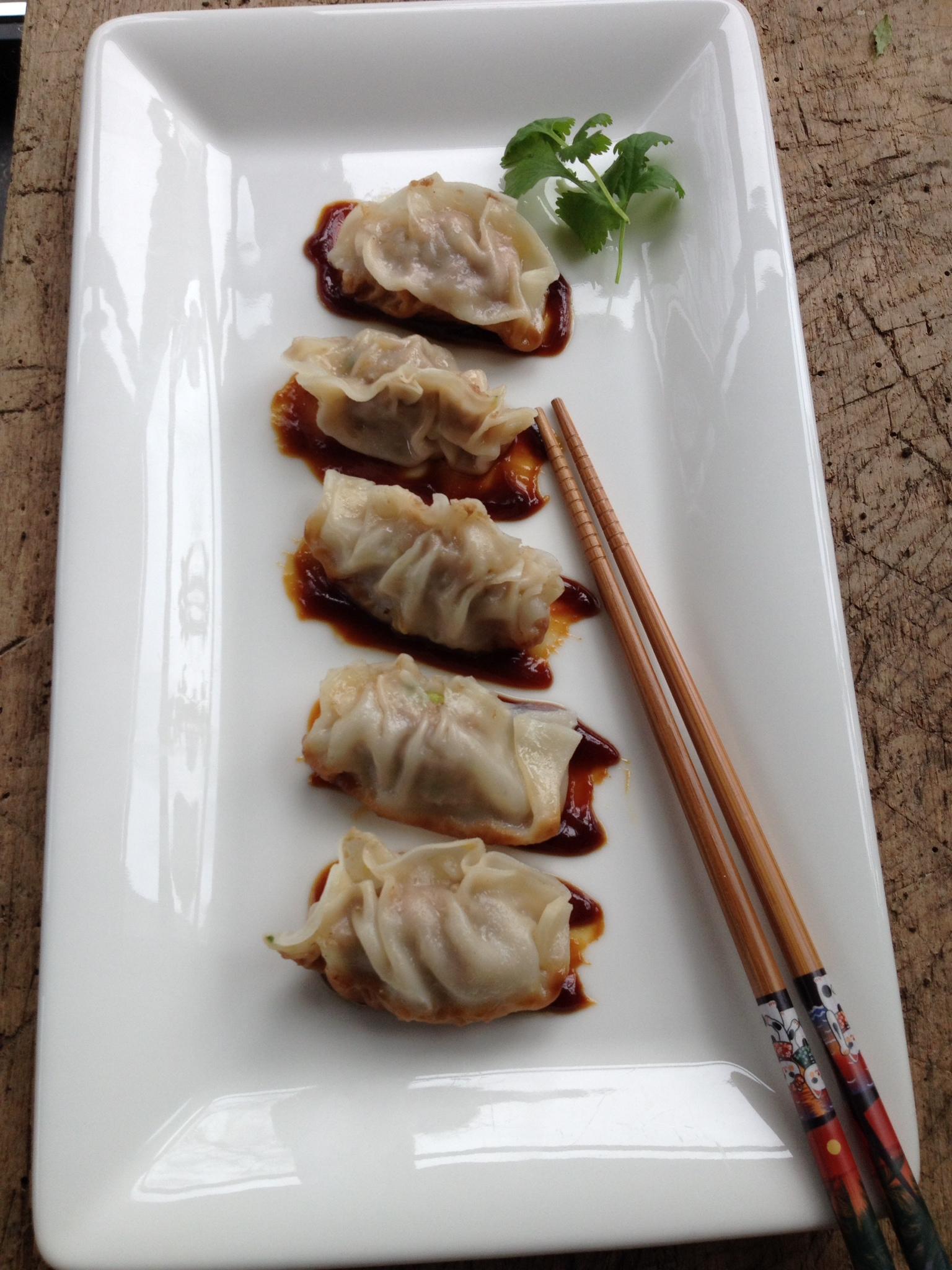 """Ook gek van de japanse keuken? Maak zelf Japanse dumplings, gevuld met een hartige mix van gehakt, kortom """" GYOZA'S""""."""